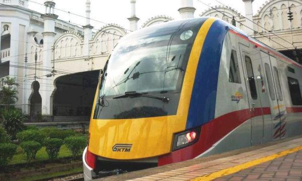 KTM_Class_92_Leaving_Kuala_Lumpur_Station.jpg