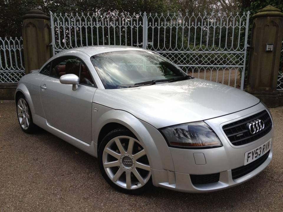 ���� Audi TT ��ʻ 13 ��������һ�����ͣ�