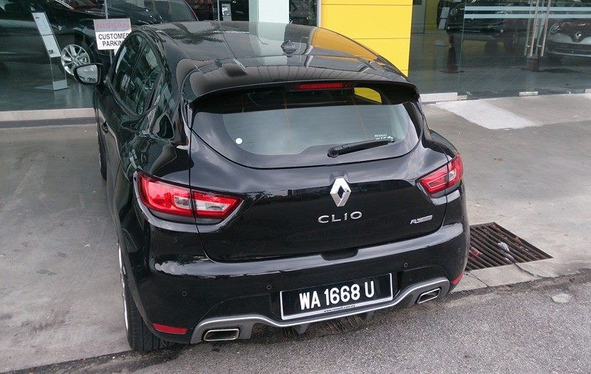 �����Լ� Renault Clio RS 200���ѱ��Ե���