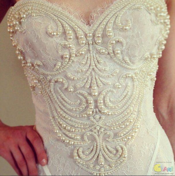 Как расшить свадебное платье своими руками