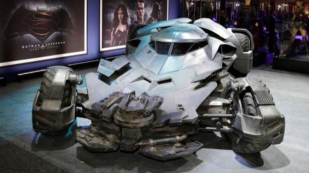 Saksikan Kereta Batman Yang Terbaru Fokus Cari Cari Infonet