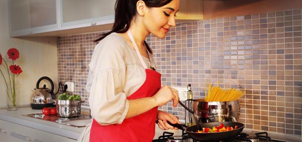 6 Sebab Perempuan Ada Hobi Memasak Jadi Idaman