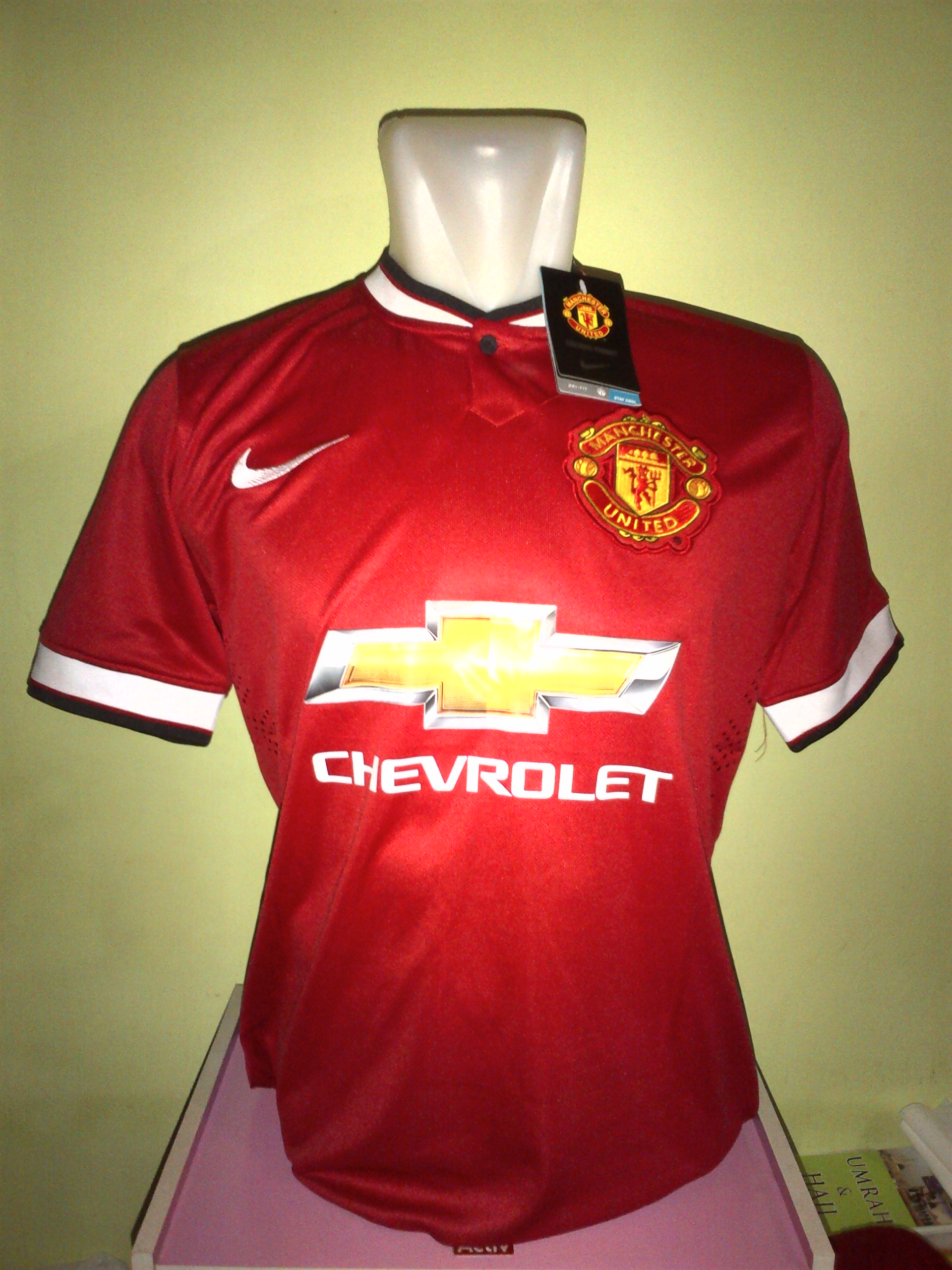 manchester united shop clearance
