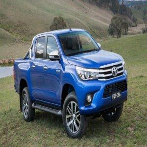 Toyota Hilux 2016 lebih kental, mantap & lasak