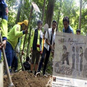 Akhbar Thailand Keluar Kartun Persenda Malaysia dan Najib