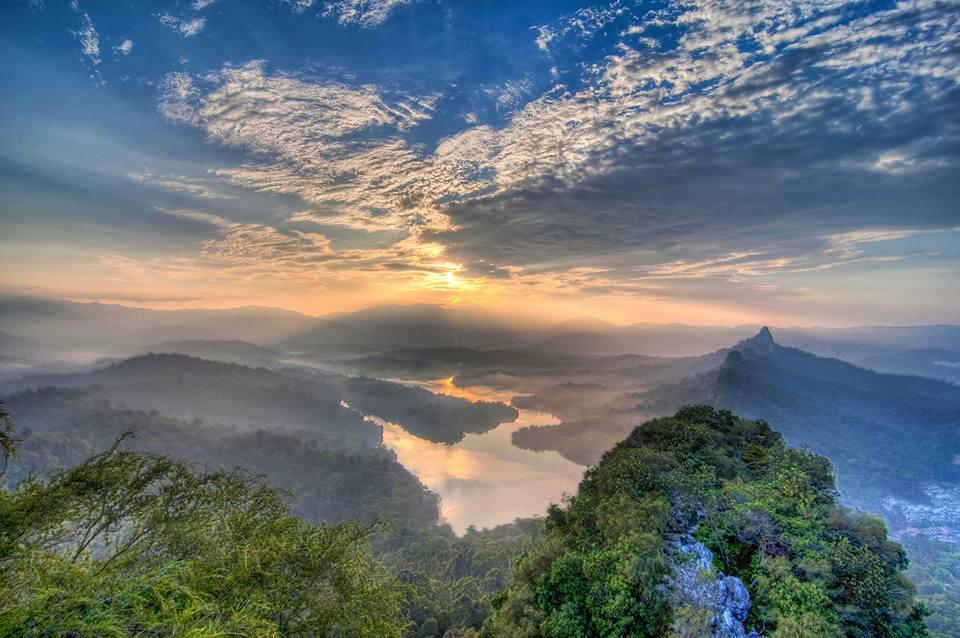 Bukit Tabur Jadi Tarikan Pendaki Sambut Tahun Baru!