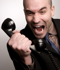 Gagal Hubungi Isteri, Suami Telefon Bomba Sebelum Terjun