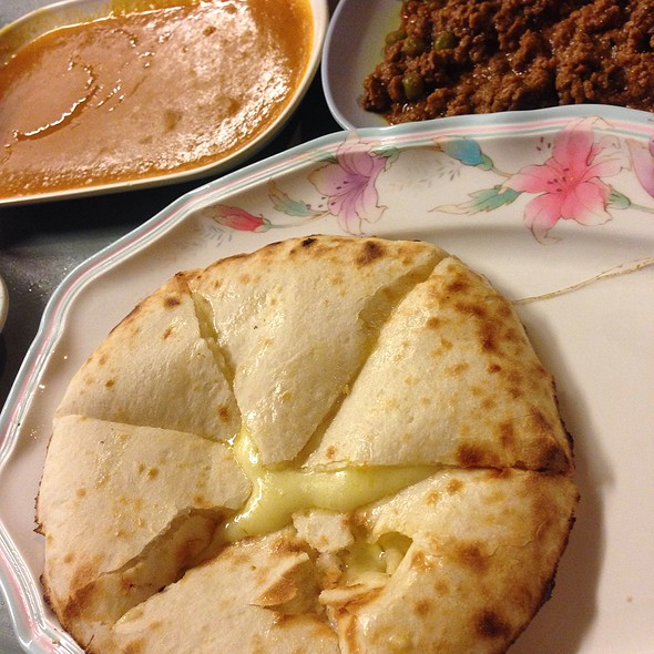 Roti cheese naan rsmy paling ohsem wajib cuba makanan for Ah roy thai cuisine