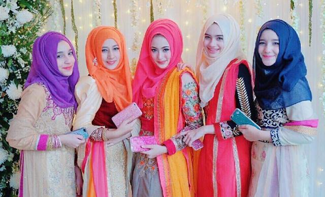 Hijabers Cantik 5 Bersaudara Dari Thailand Bikin Rusuk Kiri Bergetar
