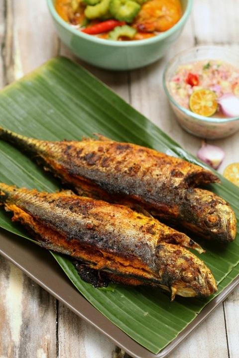Bertambah-tambah Nasi Dengan Menu Ikan Cencaru Sumbat Sambal