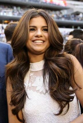Cantik Seperti Rambut Selena Gomez