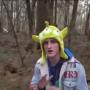 """拍摄""""挂在树上的遗体""""饱受挞伐  著名网红遭YouTube惩罚"""