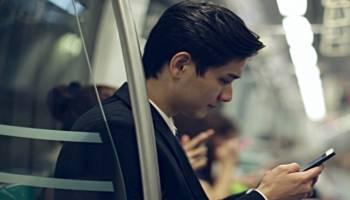 韩研:行进的地铁或电梯中用手机,电磁辐射增加15倍