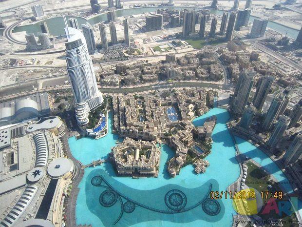 迪拜最高楼望下的景色
