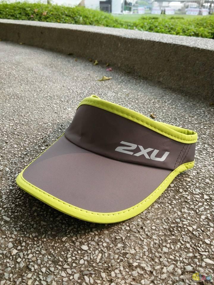 刚买的2XU visor =)