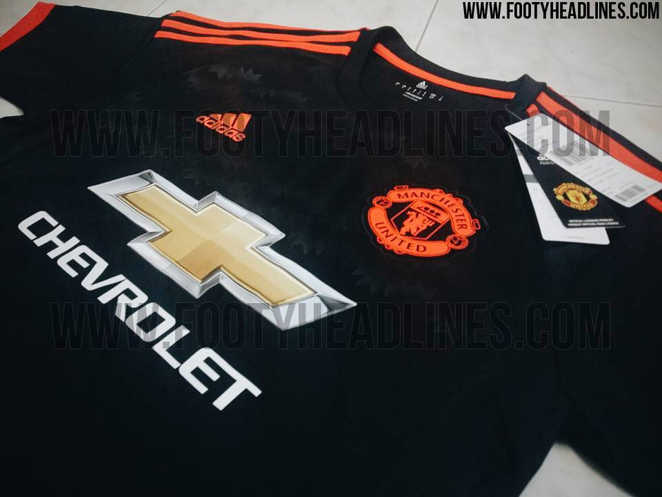 manchester-united-15-16-third-kit-2.jpg