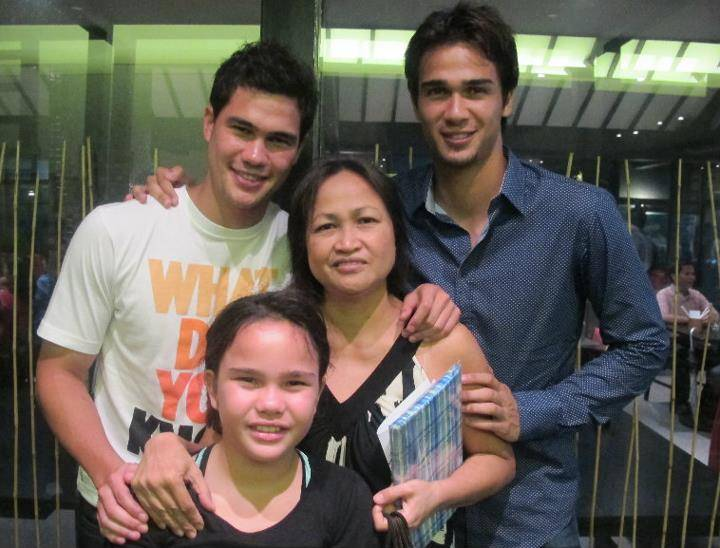 Younghusband-MothersDay-20120514-01.jpg