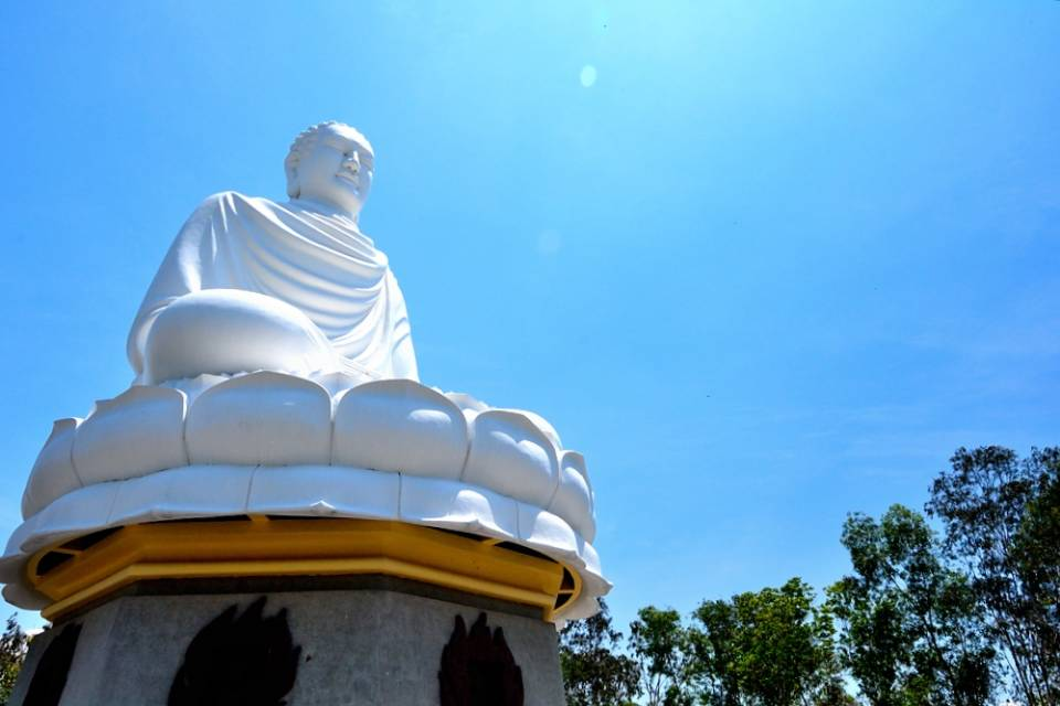 Long Son Pagoda4