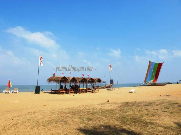 Negombo Beach.jpg