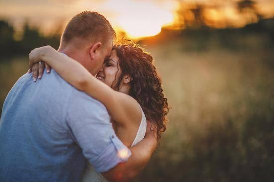 """幸福婚姻也需要""""定期储蓄"""""""