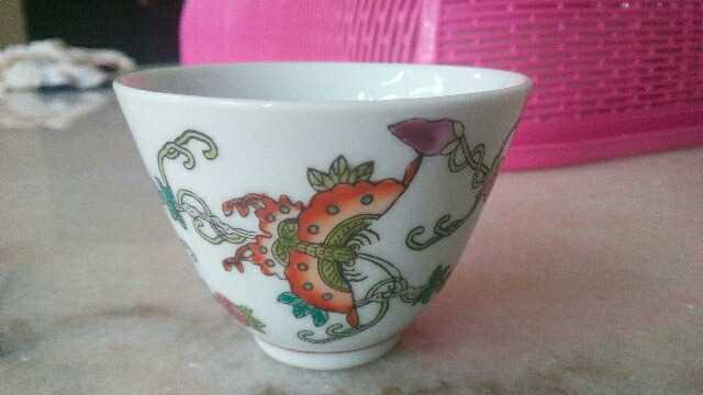 景德镇粉彩茶杯