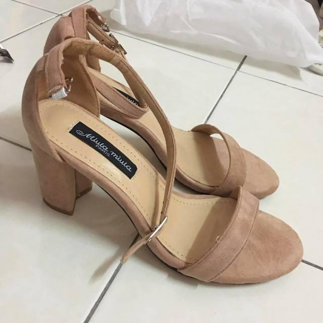 high_heels_sandals_1504019624_344fe2bc.jpg