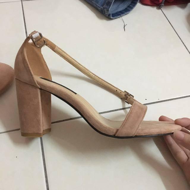 high_heels_sandals_1504019625_c98ba0cf.jpg