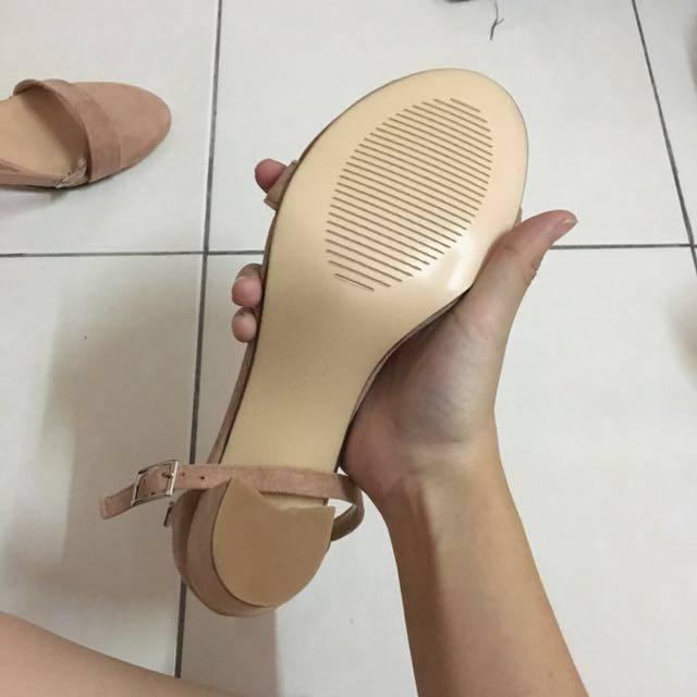 high_heels_sandals_1504019625_4cd5c899.jpg