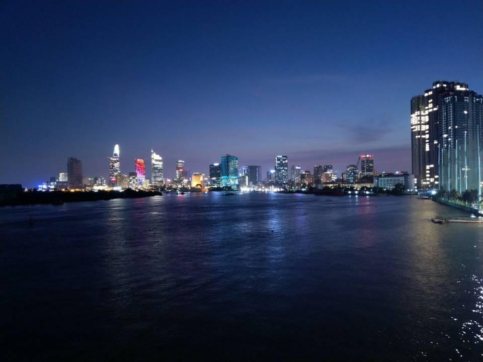 Nokia 7 Plus - Vietnam Night View.jpeg