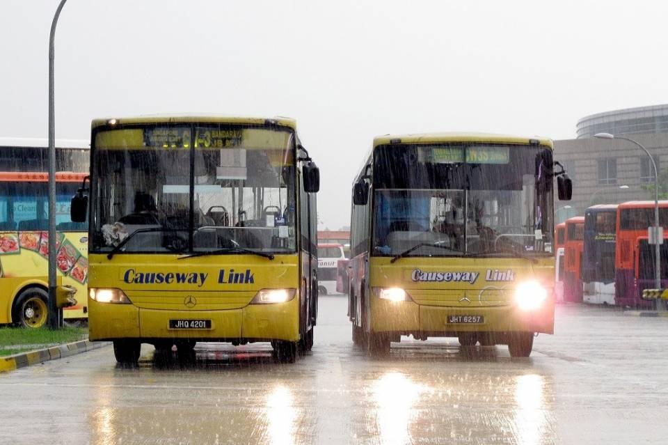 4-1 馬來西亞午後陣雨。(圖/攝影者:SgTransport, Flickr CC License).jpg