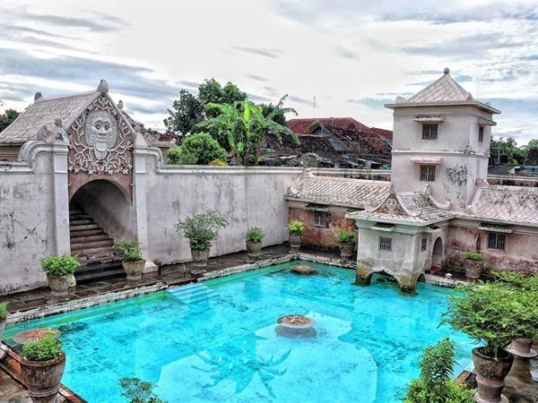 taman-sari-water-castle.jpeg