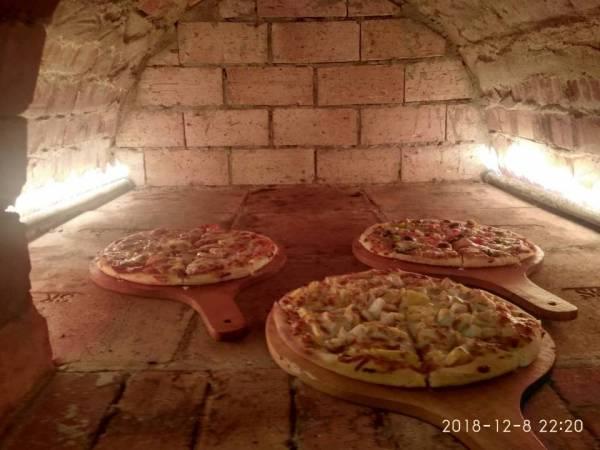 在烘着pizza~
