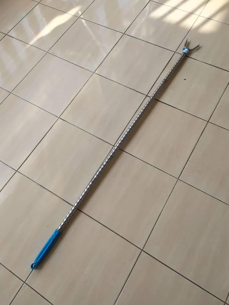 用来上挂的白钢棍, MaxValue买, RM4.90