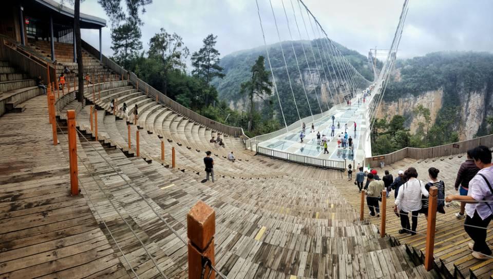Zhangjiajie-Glass-Floor-Bridge-.jpg