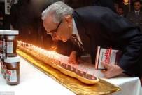 Nutella榛果可可酱,Ferrero Rocher巧克力的一些历史照。