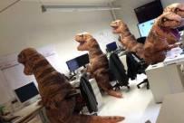 恐龙在工作中