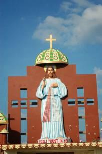 快进来瞻仰顶礼吧!(世界各地的耶稣/圣母像 )