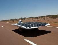 澳大学生研发世界最快太阳能汽车 时速达88公里。。。