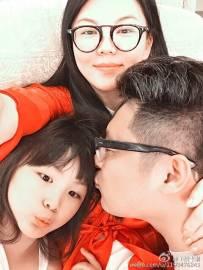 李湘晒温馨全家福 王诗龄变大姑娘