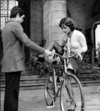 這就是為什麼女孩子不適合騎車的原因