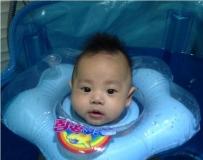 宝宝游泳记
