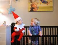 """好可爱的""""圣诞小精灵"""",老爸头大了。"""