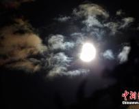 歐洲部分國家觀測到2011年首場日食。。。