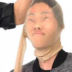 这……谁人?!韩男偶像被罚用丝袜裹脸自拍