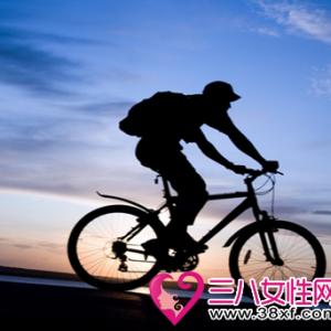 女性骑自行车减肥的3个注意事项