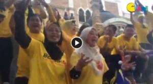【BERSIH 4.0 现场直击】民众高唱Bersih 8小时游行不喊累!