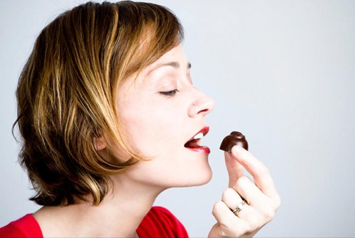 午后昏昏欲睡,不要再喝咖啡,来颗黑巧克力一樣提神!