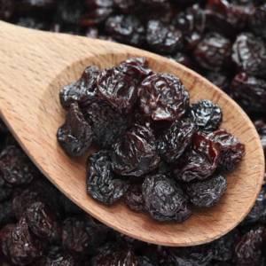 每天一把葡萄干就可强身!所含铁量是新鲜葡萄的15倍!