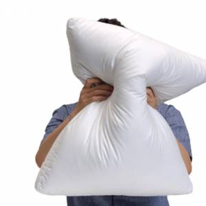 枕头太高易引起颈椎病!拳头教你测量属于自己枕头的高度