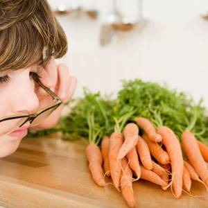 """英国营养师推荐:爱护眼睛要记得多吃""""护眼食物"""""""
